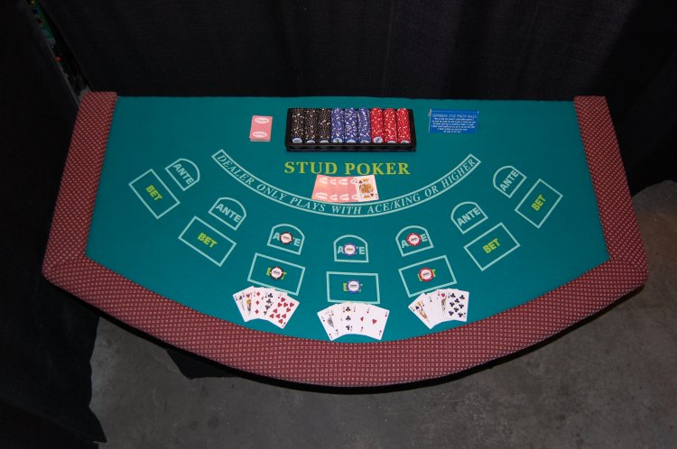 Casino - Caribbean Stud Table