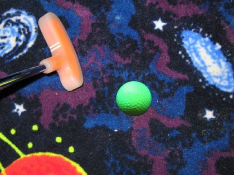 Cosmic 3-D Golf
