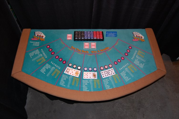 Casino - Let It Ride Table